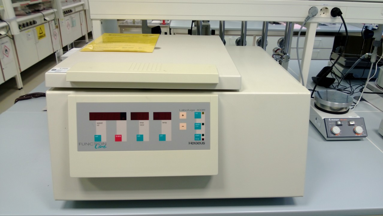 Picture of Centrifuge (Table top)